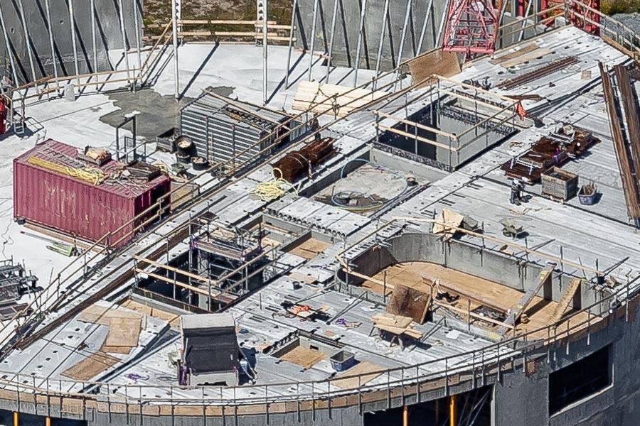 Detaljerige billeder af byggepladsen