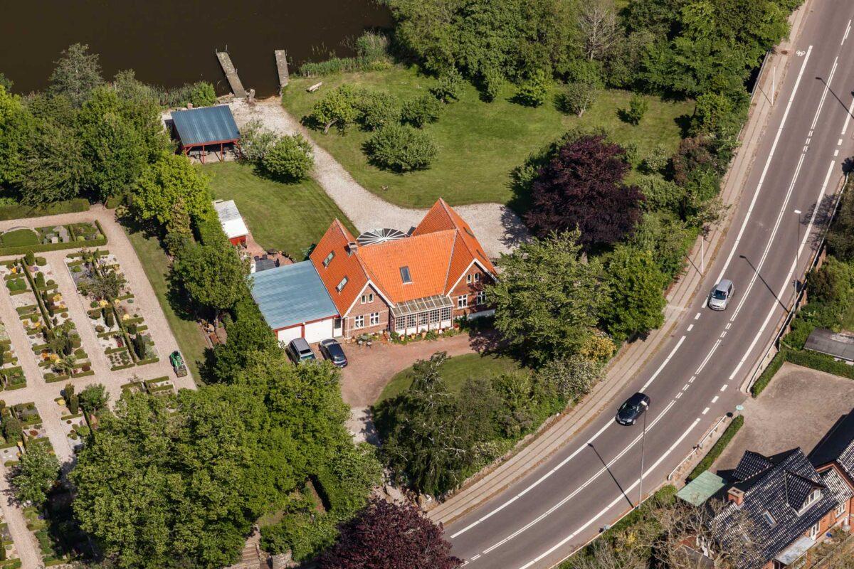 Luftfoto af byejendom til ejendomsmægler