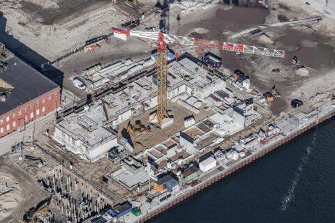 Luftfoto af igangværende boligbyggeri